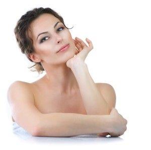 En utilisant plusieurs techniques de médecine anti-âge et esthétique comme la toxine botulique, les fillers, la lumière, le laser ou encore ...http://zestetik.fr/magazine/lapproche-globale-de-traitement-du-visage-du-cou/
