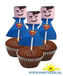 traktaties: Superman van marshmallow in cakeje zelf maken