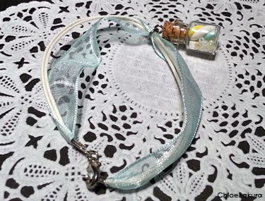 Bracelet Fiole guimauve menthe de ChloeSakura sur DaWanda.com