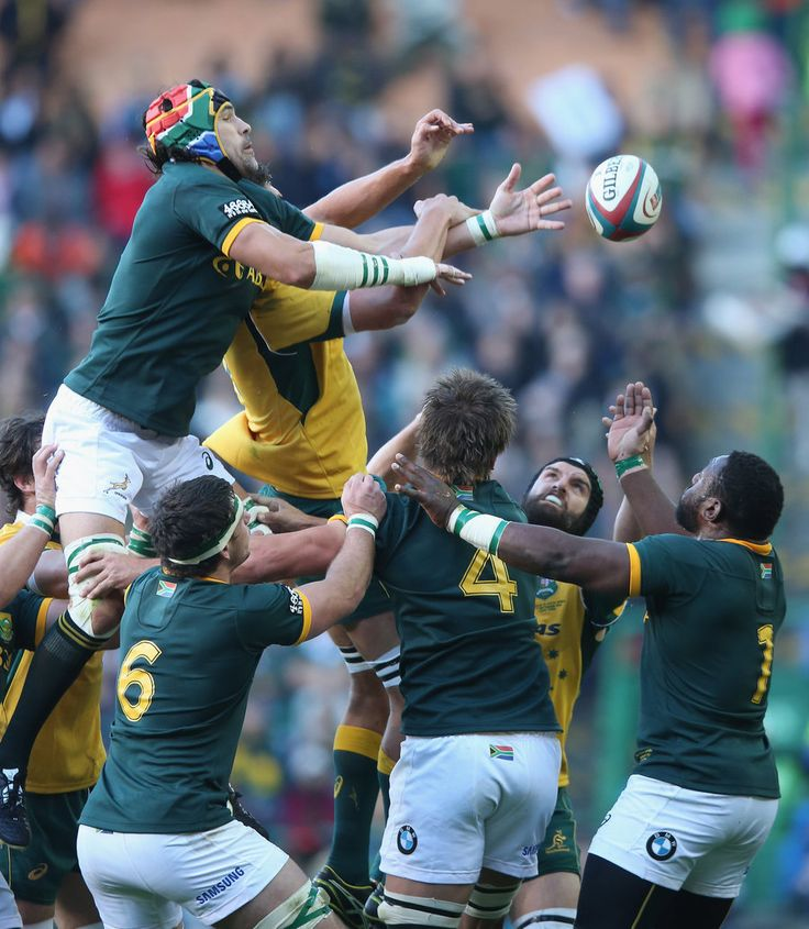 Victor Martfield of South Africa wins the lineout