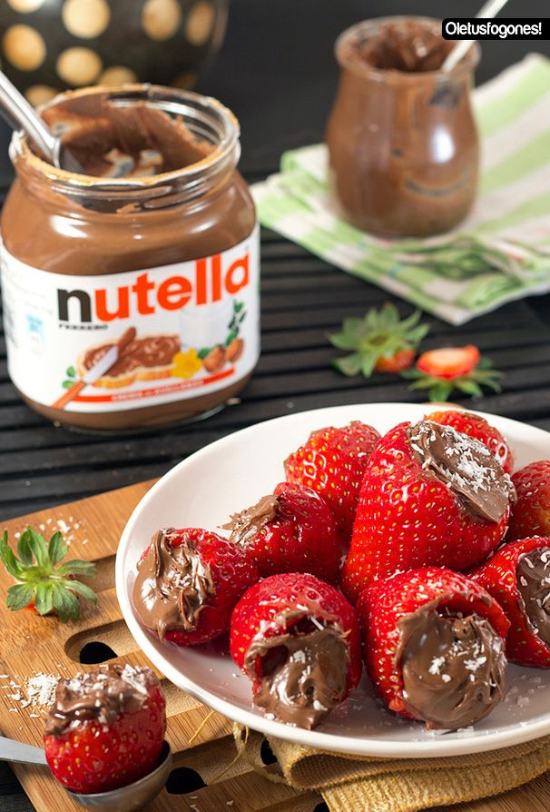 Fresas rellenas de Nutella: http://www.cocina.es/blogs/oletusfogones/2013/01/22/fresas-rellenas-de-nutella/