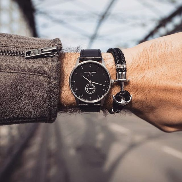 A timeless combination for every occasion. ⌚️⚓️❤️ (photo @danieltonijais) #getAnchored #paulhewitt #signatureline #blacksea #sapphireglass #phrep #Regram via @paul_hewitt