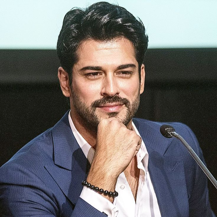 """65 Me gusta, 13 comentarios - Burak Ozcivit ® (@burakozcivit_t) en Instagram: """"@burakozcivit  . . . ____ #buraközçivit #greece #aktör #celebrity #kemal #karasevda #kardesimbenim…"""""""