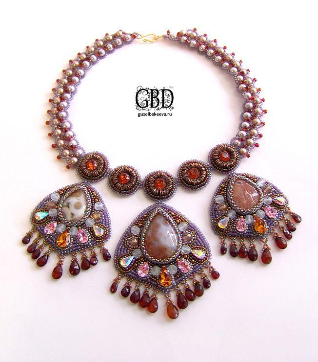 So beautiful. Guzel Bakeeva - http://beadsmagic.com/?p=742#more-742