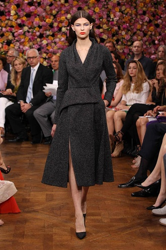 On my wish list: Dior Haute Couture Autumn-Winter 2012 – Look 39: anthracite tweed 'Bar' coat.2013 Dior, Christian Dior, Couture Collection, Fashion Accessories, Dior Fall, Dior Couture, Autumn 2013, Couture Fashion, Haute Couture