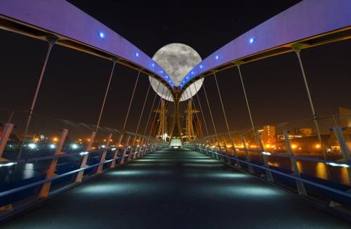 Moon Bridge, Salford Quays, Manchester, England photo by louisdawson.  I love bridges.