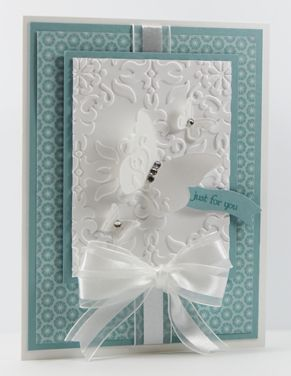 I have a real treat for you today. Today's Guest Stamper, Beth Beard, a member of my Stampin' Pretty Pals, has put together a card that's nothing short of sumtuous. I love the crisp look of the white and blue and the embossed textures are stunningl. Every detail is perfectly balanced. Her card reminds me of a beautifully wrapped gift....Mary Fish SU