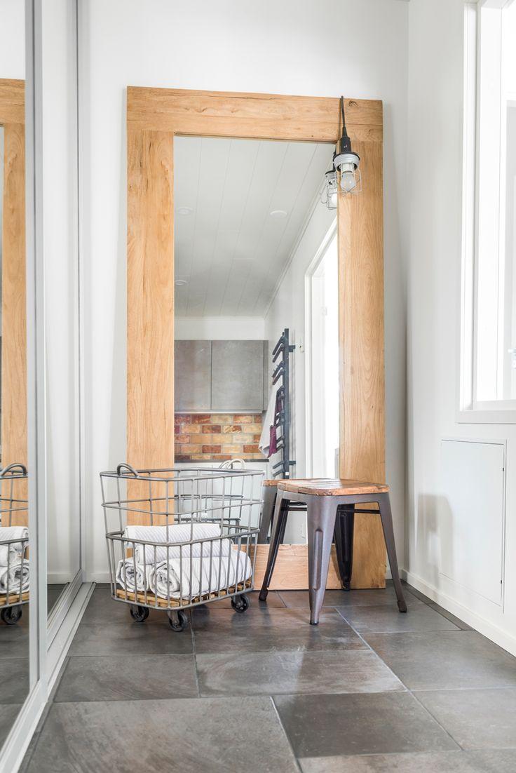 Koti Pentik. Lattiassa Les Dalles -sarjan noir-laattoja kolmessa eri koossa. #pukkilalaatat #pukkila