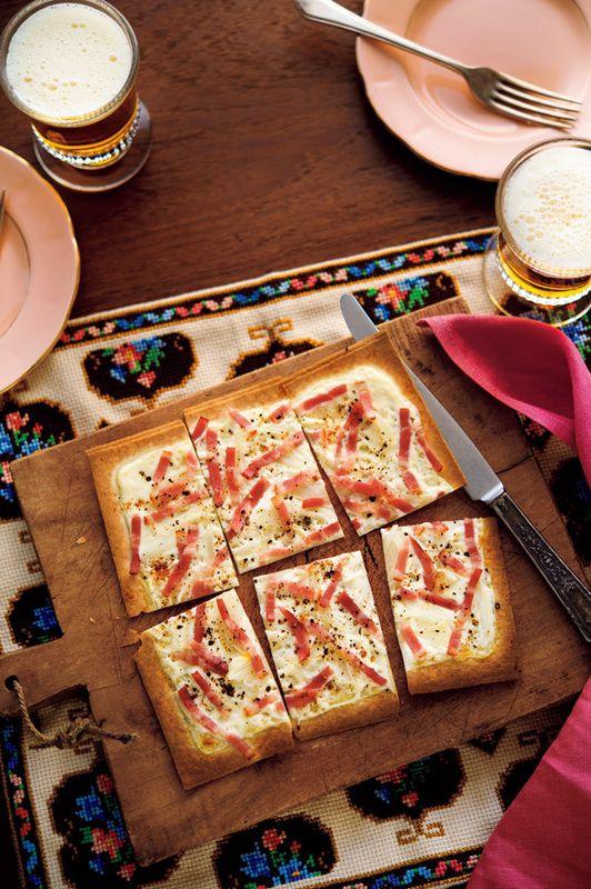 ドイツ風ピザ「フラムクーヘン」が、「春巻きの皮」で作れるらしい。【オレンジページnet】プロに教わる簡単おいしい献立レシピ