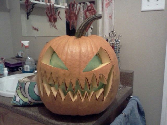 Put green tissue paper inside your jackolantern for a creepy green glow at night