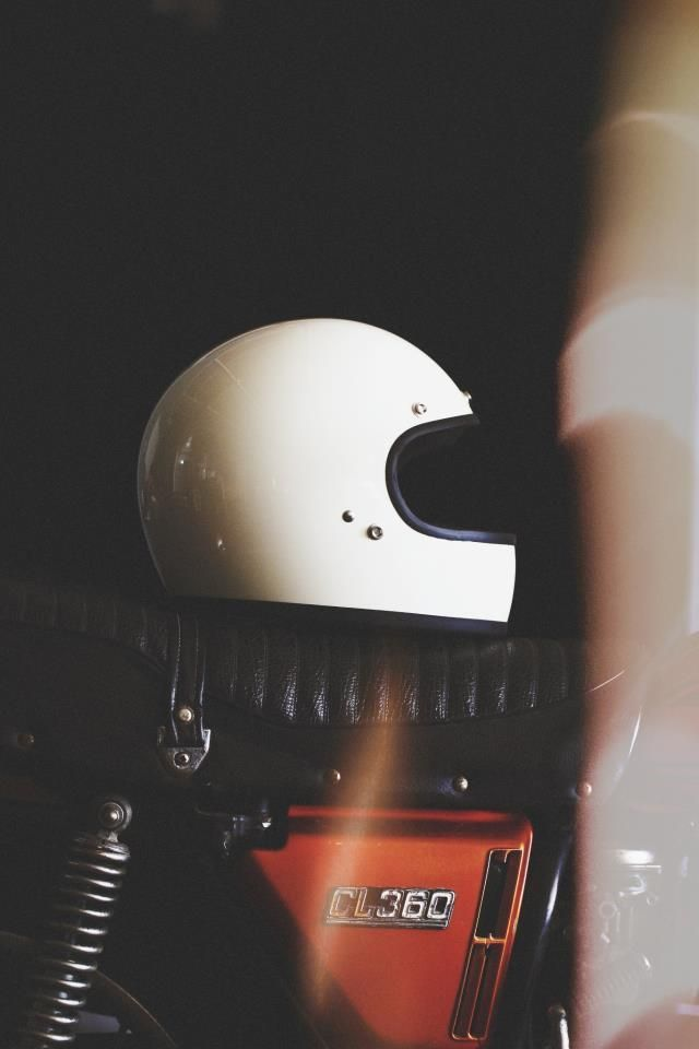 brothermoto: Of course we love this vintage styled helmet from bitwell. #moto360