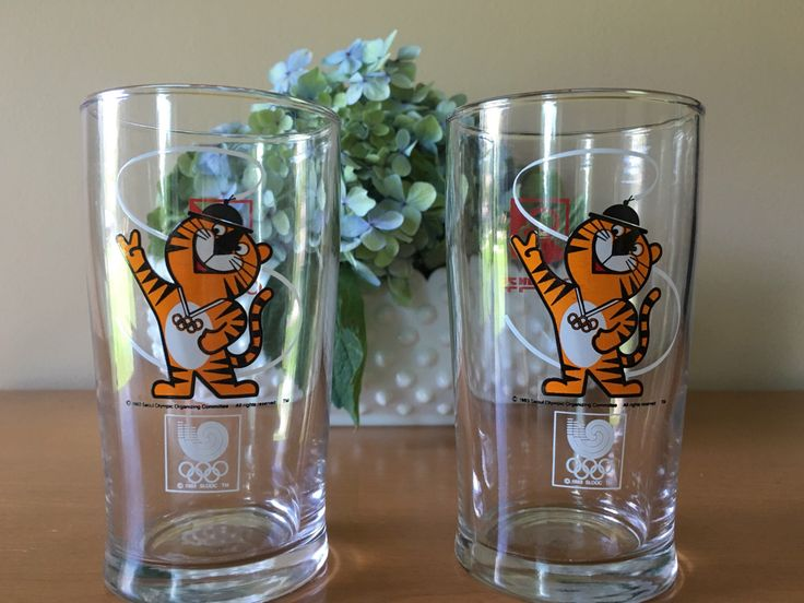 Hodori Tiger - 1983 Seoul Olympic Organizing Committee Glass - Set of 2 by CharmingClassics on Etsy https://www.etsy.com/listing/476120039/hodori-tiger-1983-seoul-olympic