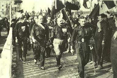 Marcha fascista de los 'Camisas Negras' sobre Roma, 1922.
