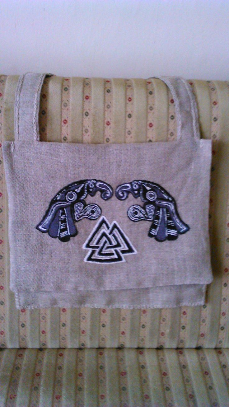 Embriordered linen bag. Viking pattern. Huginn and Muninn.