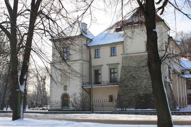 zamek Tarnowskich w Suchej Beskidzkiej zwany małym Wawelem #Sucha #Beskidzka #zamek #Tarnowskich #Polska #małopolskie #powiat #suski #Beskidy #Poland #mały #Wawel