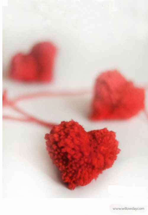 make heart-shaped pom-poms //willowday