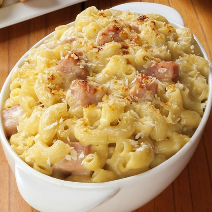 A Hearty recipe for warm ham and cheese pasta bake. Delicious enjoyed on its own or with a fresh salad.. Ham and Cheese Pasta Bake Recipe from Grandmothers Kitchen.