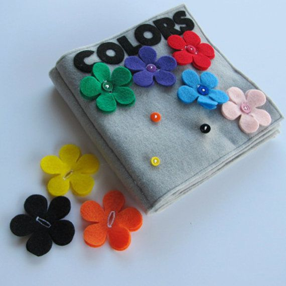 coordinate flowers to buttons to teach children the colors