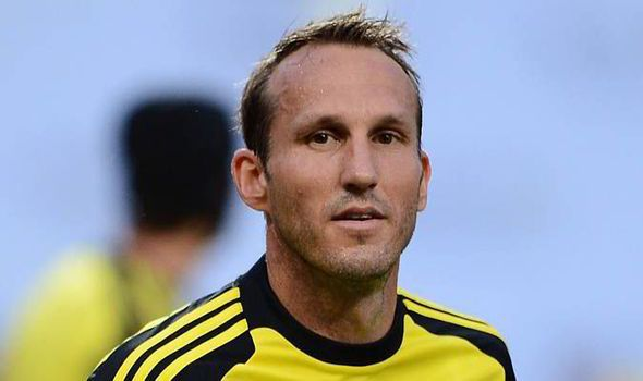 REVEALED: Mark Schwarzer's SHINPADS are older than Atletico rival Thibaut Courtois