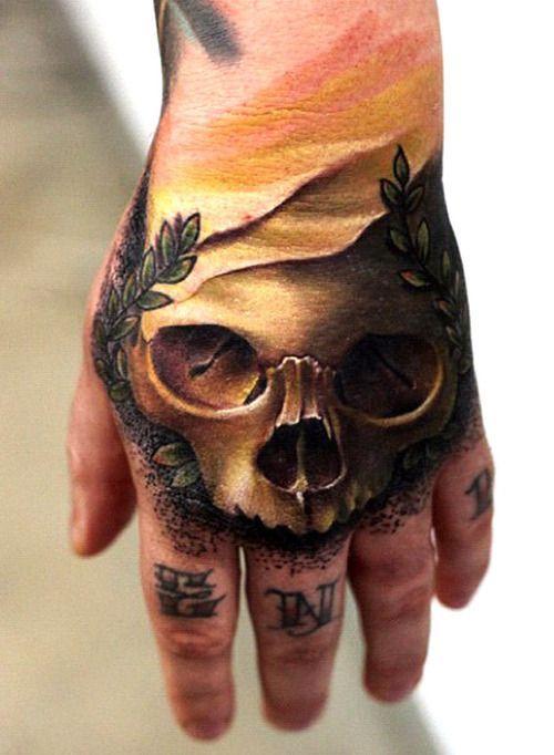 12 besten skull hand tattoos bilder auf pinterest totenkopf tattoos calavera tattoo und. Black Bedroom Furniture Sets. Home Design Ideas