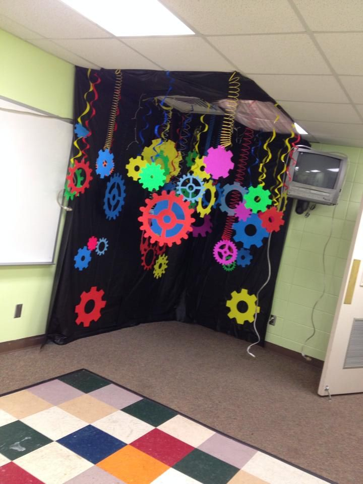 Notice how these Slinky's are hanging from the ceiling to create motion! Great idea to use for G-Force VBS! Save those items to reuse for VBS 2015! www.cokesburyvbs.com