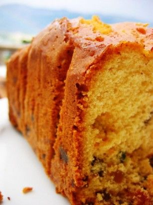 Kolay tatlı tariflerimizden portakallı sünger kek ve diğer pratik, basit tatlı ve pasta tariflerimiz için sitemizi ziyaret edebilirsiniz.