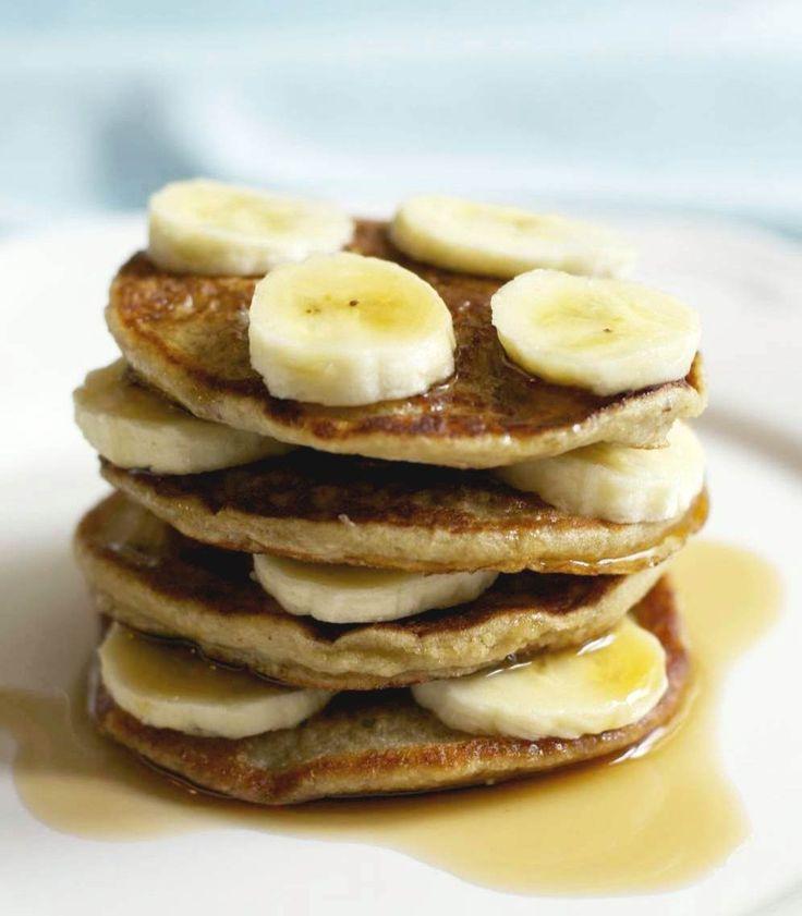 Havermoutpannenkoeken met banaan. Lekkere afslankrecepten vind je op makkelijk afvallen. 100% koolhydraatarm. Makkelijk & snel. Download 10 gratis recepten!