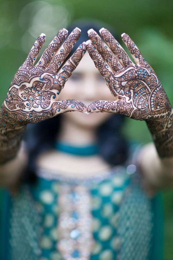It's Mehndi Week on Maharaniweddings.com! Vote for your favorite!