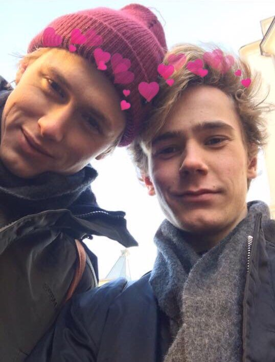 Isak and Even with hearts