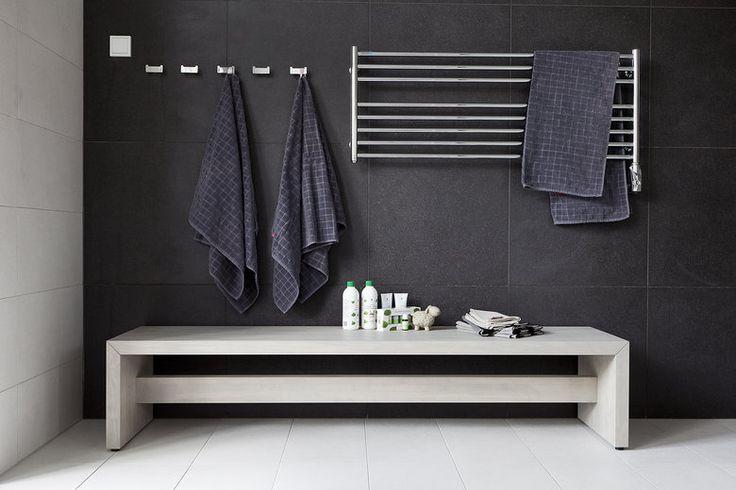 Aktiivinen perhe rentoutuu kylpyhuoneen ja saunan tunnelmassa, lisää ideoita www.lammi-kivitalot.fi
