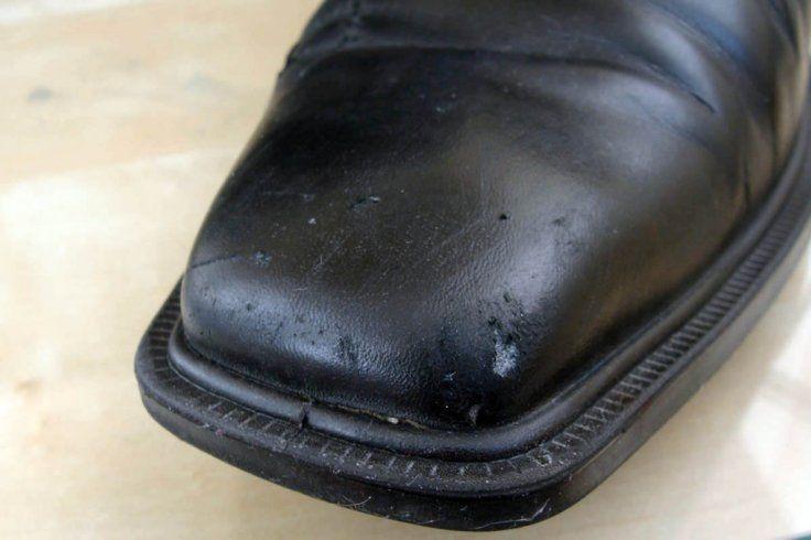 Вот как можно легко починить кожаную одежду, обувь и даже мебель! - Интересно и весело