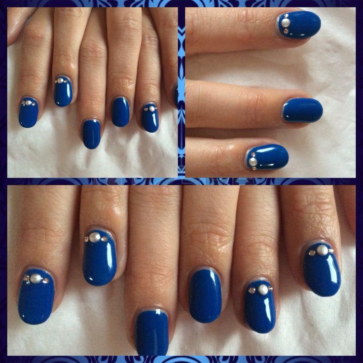 ongles en gel bleu lectrique ongles pinterest ongles. Black Bedroom Furniture Sets. Home Design Ideas
