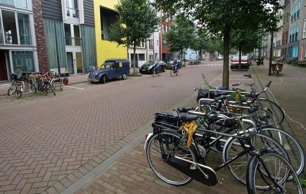 A simple, people-friendly woonerf in Amsterdam's new Ijburg neighbourhood. Click image to tweet @slowottawa and visit our boards >> http://www.pinterest.com/slowottawa/