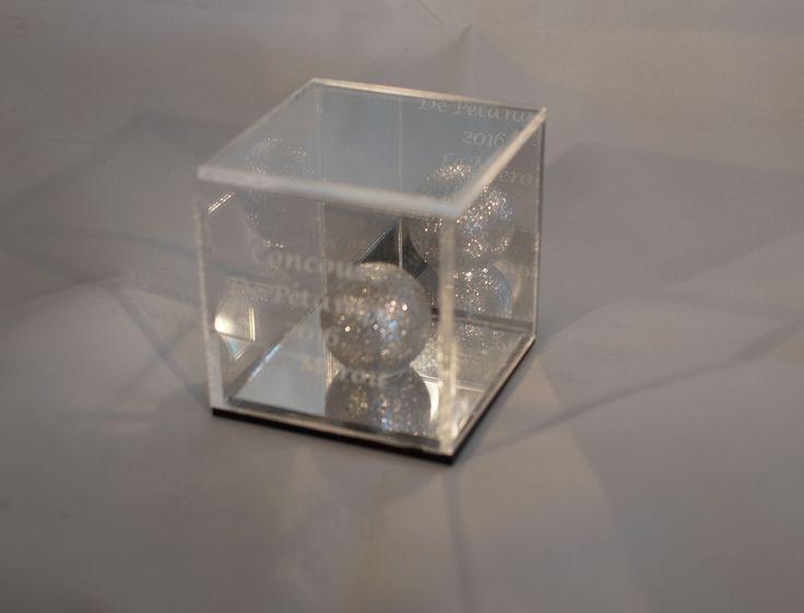 kubus van plexiglas