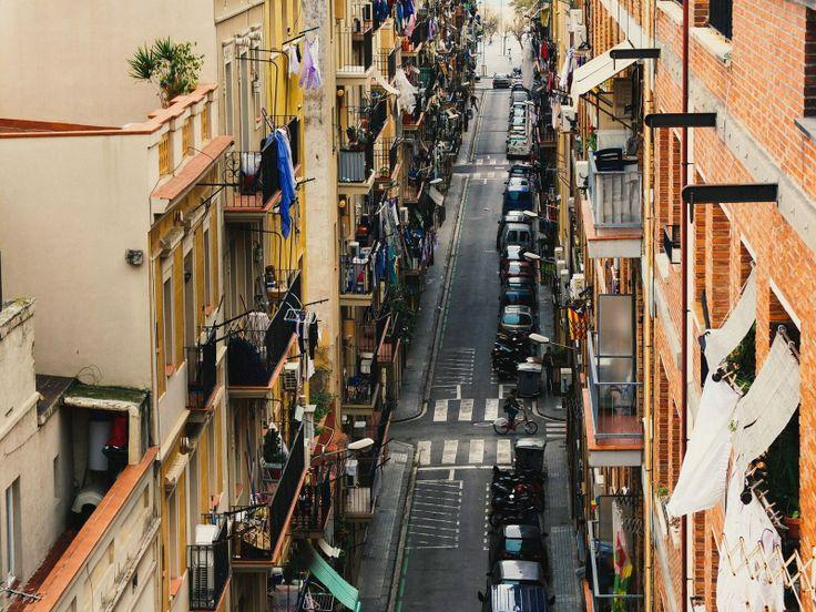 Улочка Барселонеты. One of Barceloneta streets. #барселона #испания #barcelona #spain #travel #vscorussia