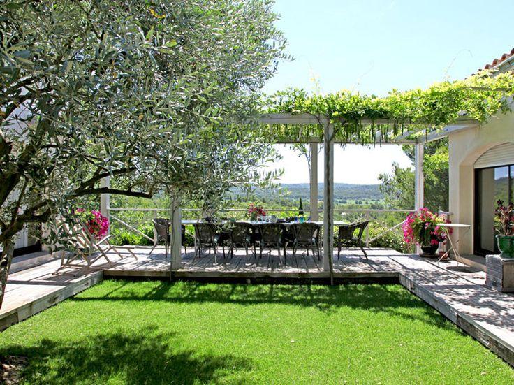 Une maison de campagne o il fait bon vivre pergolas and outdoor living - Jardin maison de campagne ...