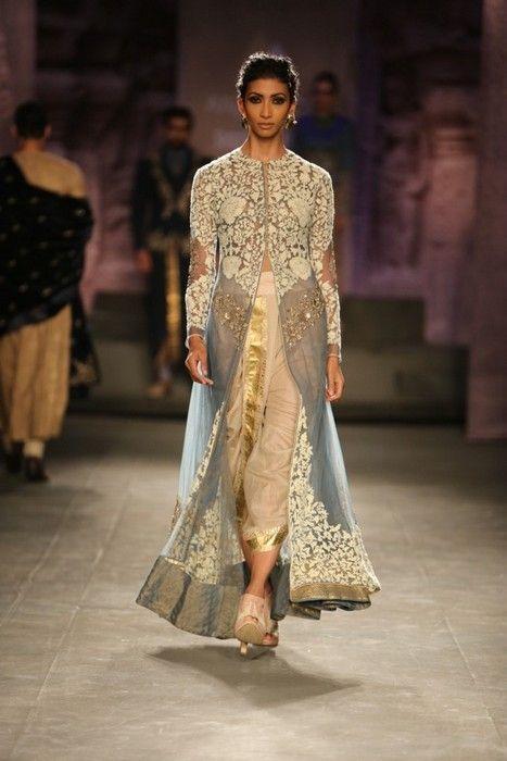 Anju-modi-india-couture-week-2014 (8)