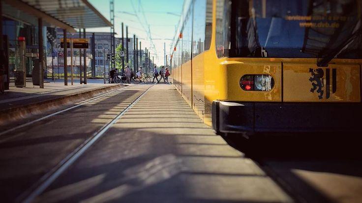 #saxony #sachsen #streetfotografie #dresden #hauptbahnhof #mainstation #centralstation #germany #simplysaxony #visitdresden  #heydresden #ig_deutschland #instagram #instagramgermany #instatraveling #ig_europe #tram #straßenbahn #haltestelle
