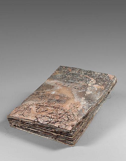 Anselm KIEFER (Né en 1945) FÜR PAUL CELAN Livre avec argile, cheveux, huile et acrylique, monté sur carton