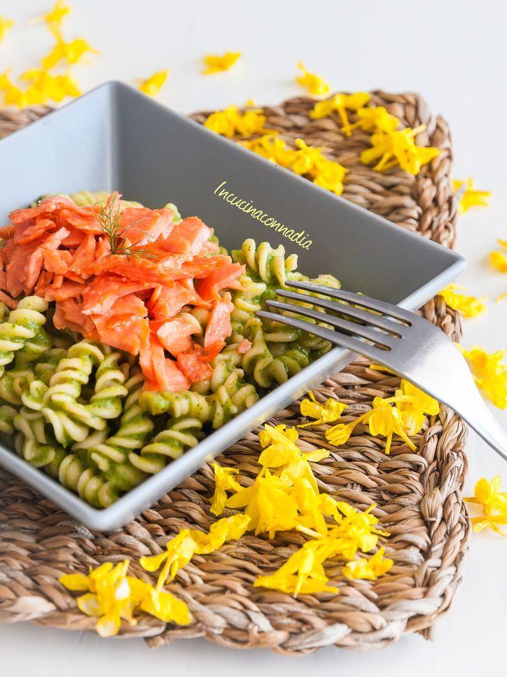 #pasta di #quinoa con #crema di #zucchine e #salmone #affumicato