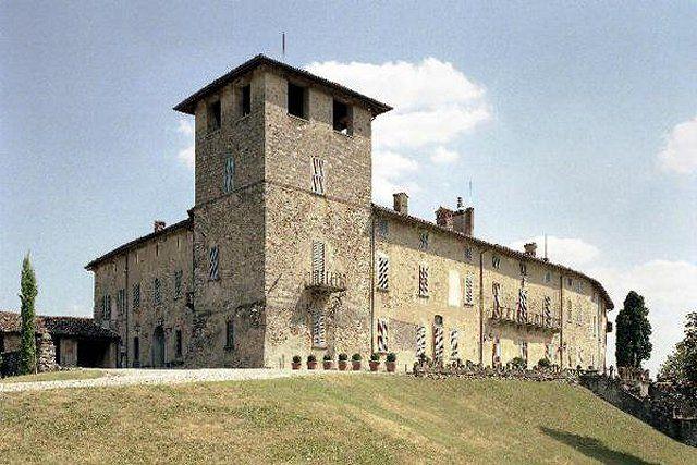 Fabbrica Durini (fraz. di Alzate Brianza, villa-castello Durini)