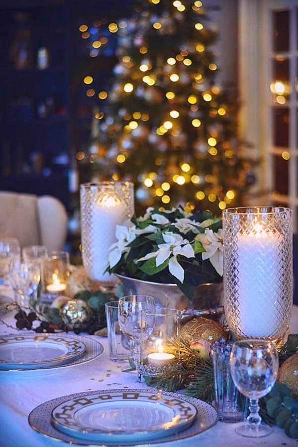 Beautiful and elegant centerpiece ideas. Find this Pin and more on Table Settings for Christmas ... & 444 best Table Settings for Christmas images on Pinterest ...