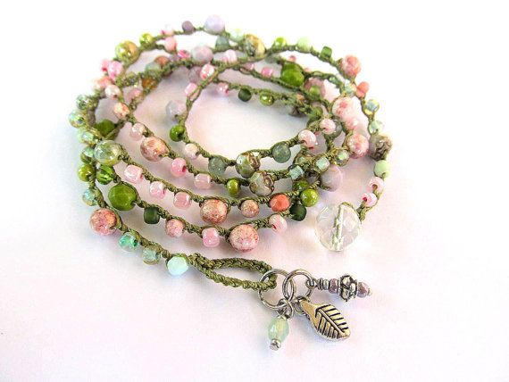 Crochet wrap bracelet boho necklace beaded petals por CoffyCrochet