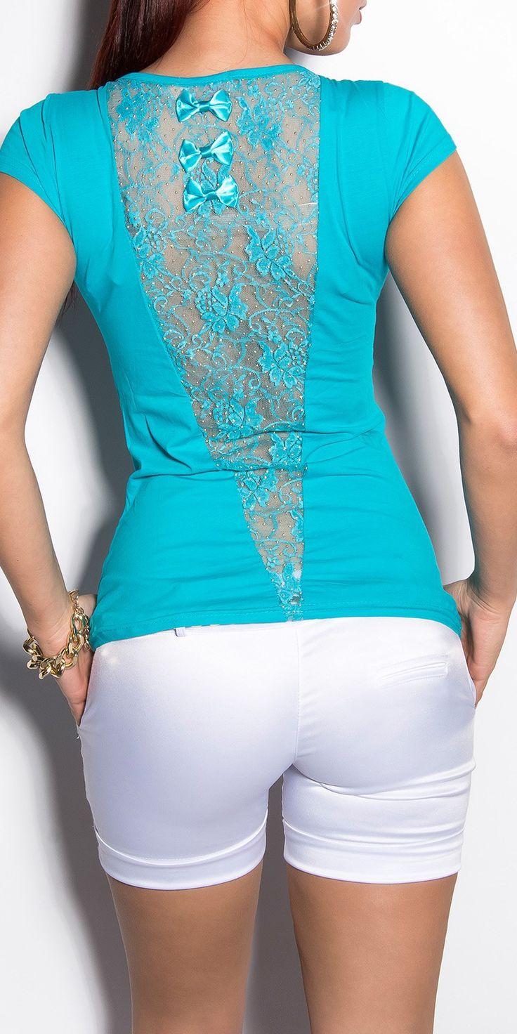Camiseta de encaje tres lazos Modelo  MX7058 Camiseta de manga corta de escote redondo adornada con escote de pico en la espalda recubierto de encaje y tres lacitos.  Composicion: 95 % Cotton / 5 % Spandex                                                                                                                                                                                 Más