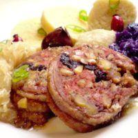 Recept : Sváteční husí rolka s dvěma nádivkami, knedlíky a červeným a bílým zelím | ReceptyOnLine.cz - kuchařka, recepty a inspirace