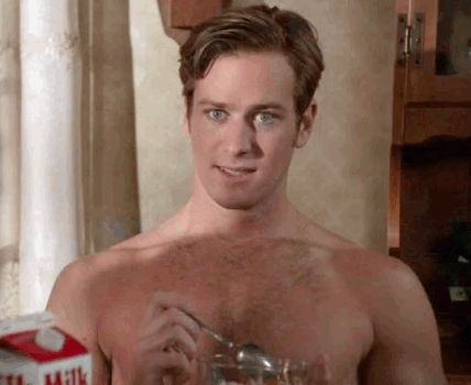 armie+hammer+shirtless.gif (428×350)