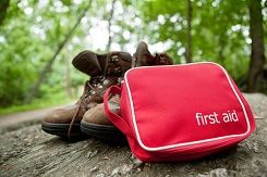 10 essentials of hiking first aid