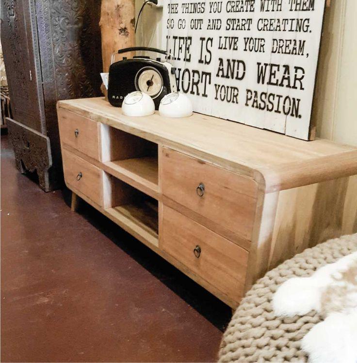 Retro dressoir. Meerdere varianten verkrijgbaar. Ruben Betsema wonen in stijl. www.rubenbetsema.nl #dressoir #woonkamer #interieur