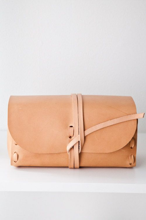 Dopp kit by Kenton Sorensen, perfect for traveling with your toiletries.: Vineet Kaur, Fashion, Style, Colors, Leather Clutches, Summer Bags, Clutches Bags, Accessories, Leather Bags