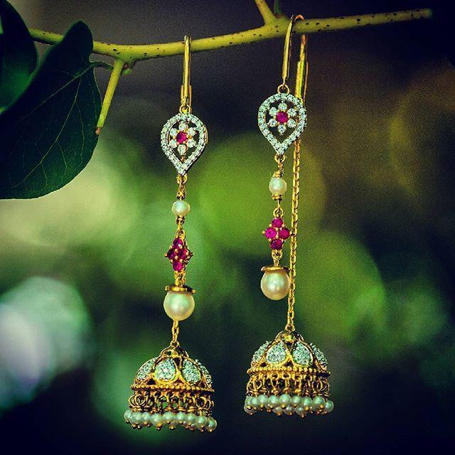 Want. This. Now. #drool #jewelry #signature #suidhaga #earrings #weddingwishlist #instagold #instalove #diamonds #rubies #instajewelry #jewelrygram
